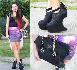 Janna Robles - Sophisticat Shoes Black Glittered Heelless, Prada Chained Bag, Strings Manila Galaxy Skirt - Galaxy