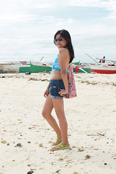 Venus Smileygal - Firmoo Aviator, Floral Foldable Bag, Denim Shorts, Blue Stripe Halter Bikini Top - Weekend Escape!
