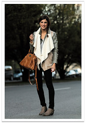 Belén @balamoda - Zara Vest, Zara Jacket, Zara Pants, Ikks Bag, Mango Boots - Layering with vests