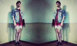 Joao Abreu - Pull & Bear Denim Jacket, H&M Burgundy T Shirt, Diy Ombré Shorts, Filipe Sousa Shoes, Vintage Sunglasses, Casio Watch, Golden Chains - Days of sorrow