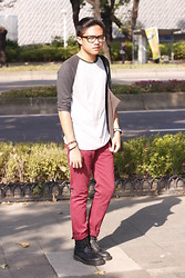 Tristan Flores - Cotton On Raglan, Topman Red Pants, Dr. Martens Boots - Take it Easy! #Taiwan
