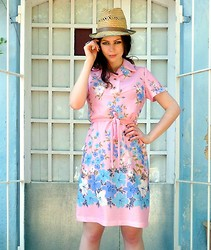 Katie Espania - The Stellar Boutique Vintage Dress, The Stellar Boutique Vintage Hat - Love heart dreaming