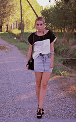 Marta Långstrump - H&M Everything, Romwe Shoes, Vintage Shop Purse - Black, white and Autumn