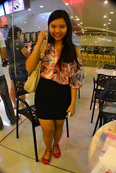 Louie Belle Regente - Guess? Shoulder Bag, Forever 21 Assymetrical Top, Melissa Red Ribbon, Forever 21 Skirt - 11.12.12