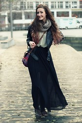 Ingrid Midtbø - Cubus Maxi Skirt, H&M Urban Purse, Topshop Blouse, Eurosko Boots - 15 Years Old Norwegian Teenager