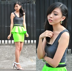 Gillian Uang - Topshop Tank Top, Fashion Infinity Peplum Skirt, Céline White Heels, From Dad Vintage Belt - Fluorescent