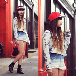 Van Anh L. - Camden Market Angry Bird, Urban Outfitters Top, Romwe Dip Dye Shorts, Topshop Boots - Angry Bird