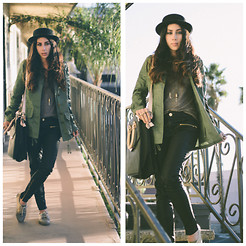 Natalie DLV - American Apparel Tank, Zara Leather Pants, Puma Tennis Shoes, Urban Outfitters Kimchi Blue, Cotton On Hat, Fair Fax Flea Market Necklace - Palm trees before Christmas trees.