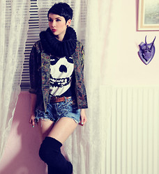 Nora Lovely - Fleamarket Jacket, Misfits Shirt, Levi's® Hotpants - Mommy can i go out and kill tonight?
