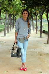 Jessie Chanes - Gina Tricot Sweater, Oasap Shirt, Mekdes Bag, Primark Jeans, Oasap Slipers - Orange's Park
