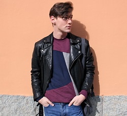 Tobias Sikström - Wood Sweater, Mtwtfss Leather Jacket, Cos Jeans, Cos Bag - 235