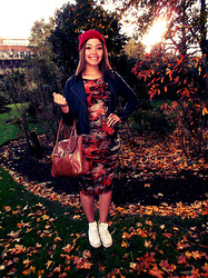 Kayla-Joleen D. - Converse, Miss Selfridge Leather Jacket - Autumn Leaves