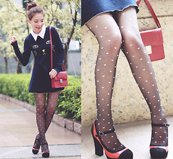 Prisca E. - Cat Face Dress, Hearts Tights - Cat & Hearts