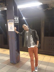 Dave Anthony - Ralph Lauren Grey Scarve, Forever 21 Jacket, Converse - Trying To Stand Up!