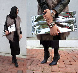 CJ Y - Short&Sweet Fur, H&M Shoes, H&M Clutch, H&M Bracelet, Hermës Cdc - Fur in luv