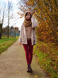 Anne - H&M Beanie, Infinite Scarf, Geometric Necklace, Stolen From Daddy Sweater, Oversized Cardigan, Pants, Dr. Martens Docs - Last ray of light