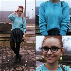 Iza Leszczak - Second Hand Diy Sweater, A. Wiśniewska Faux Leather Skirt, Firmoo Nerd Glasses - Spiked DIY
