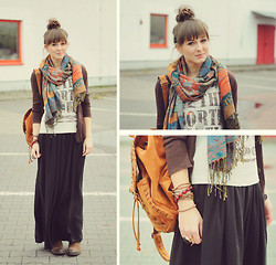 Maddy C - Maxi Skirt, Backpack - Casual friday. Smile! :)
