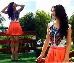 Sandra Tres - Bershka Top, Bershka Skirt - Like A Bird