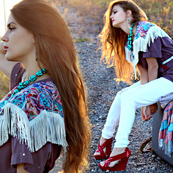 NACHOBARBIE - Vintage Fringe Top - A mile from texarkana