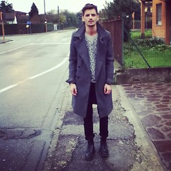 Andrea Bressani - Dior Homme Coat, H&M Sweatshirt, Cheap Monday Skinny, Dr. Martens Boots - Leo touch