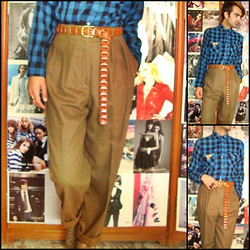 Ro Covarrubias - Vintage Shop Woolen Shirt, Vintage Shop Leather Belt, Calvin Klein High Waisted Pants - On december first i wear my cashmere pants.