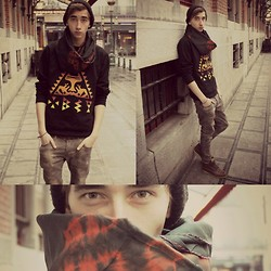 Tobi B - Urban Outfitters Obey Jumper, Vintage Market Brussels Silk Cloth, H&M Skinny Low Jeans - Sunny Moon