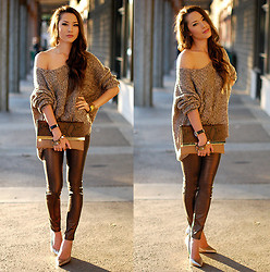 Jessica R. - Windsor Store Cozy Knit Sweater, Daily Look Snakeprint Clutch, 2020ave Metallic Denim, Vince Camuto Gold Heels - Luxe Neutrals + ZeroUV Sunglasses Giveaway