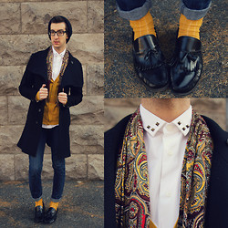 Nicolas Bg - Zara Shirt, Vintage Scarf, Simons Cardigan, Zara Trenchcoat, Levi's® Skinny Jean, Topman Socks, Aldo Loafers - Put some color in your life !