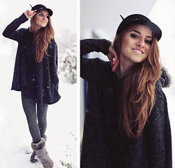 Jessica Christ - Nowistyle Hooded Sweater, Oasap Hat, H&M Tights, Ugg Boots - The days are getting colder, have a warm heart! :)