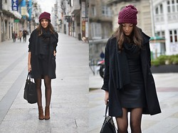 Carla Estévez - Zara Dress, Zara Beanie, Zara Boots, Massimo Dutti Bag, Asos Coat - Leather LBD