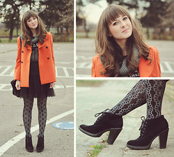 Maddy C - Tights, Coat - 5/12