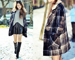 Kasia Szymków - Boots, Skirt, Marks&Spencer Coat, Secondhand Sweater - Greyscale