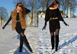 Raluca Dumitru - Zara Sheepskin Fur Vest, Vagabond Suede Knee Boots, Vintage Baroque Belt - Bright Winter