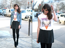 Mahayanna . M - Eleven Paris Skulls Top - Helly Skulls