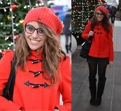 Federica Delprino - H&M Coat, H&M Hat, Cinti Boots, Fendi Bag, Marc By Jacobs Photochromatic Glasses - Waiting for Christmas!