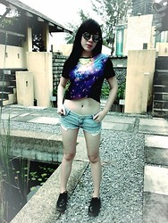 Lynette J. - Romwe Rounded Sunglasses, Romwe Chain Spike Necklace, Vicnity Store Galaxy Shirt, Diy Cutoff Shorts, Dr Marten Boots - Galaxy in Your Dream