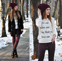Karina P. - Zara Hat, Coat, Wildfox Couture Sweat, Topshop Pants, Boots, Bershka Bag - Love me! ;-)