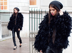 Caroline Roxy - Ny Feather Jacket, H&M Leather Pants, Romwe Heels - BLACK LITTLE BIRD / SPOTTED ON STOCKHOLM STREETSTYLE