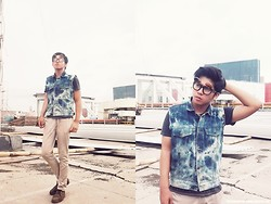 Fahmi Ramadhan - Levi's® Diy Bleached Denim, Asos Brown Line Sunglasses, Pull & Bear And Boots, Topman Stone Skinny Chinos - Do It Yourself