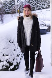 Isabel Aldén - Zara Knit, Filippa K Jacket, Lee Jeans, Prime Boots, Åhléns Bag, Cheap Monday Hat - In this winter wonderland