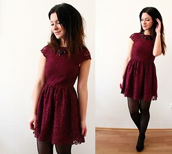 Jennifer S - H&M Burgundy Lace Dress, Statement Necklace - Burgundy Christmas Outfit