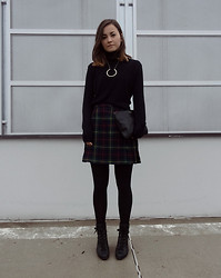Veronika B - Diy Necklace, Diy Clutch, Second Hand Turtleneck, Second Hand Skirt - FIRE WALK WITH ME