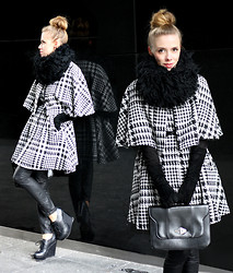 Ann O. - Atmosphere Cape, Second Hand Bag - HOUNDSTOOTH PATTERN