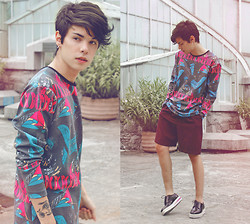 Vini Uehara - Vini Uehara T'shirt, Choies Shoes - We move lightly