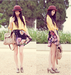 Isabel Z - Blouse, Floral Skirt, Forever New Bag - Ray of sunshine- Giveaway on my blog!