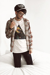 Bobby Raffin - Coshubble Graphic Tee, Thrifted Angry Plaid, Nintendo World Zelda Hat, Big Star Dark Jeans - We don't sleep when the sun goes down.