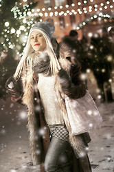 Kadri S - Noom Coat, Lindex Scarf, Lindex Silver Sweater, Only Jeans - Xmas kitsch