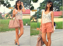 SalveeLangella Retuya - Forever 21 Lacetop, Forever 21 Shorts, Forever 21 Bag - Old Rose