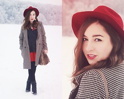 Becca S. - Claire´S Hat, Coat - Merry Christmas to you!!